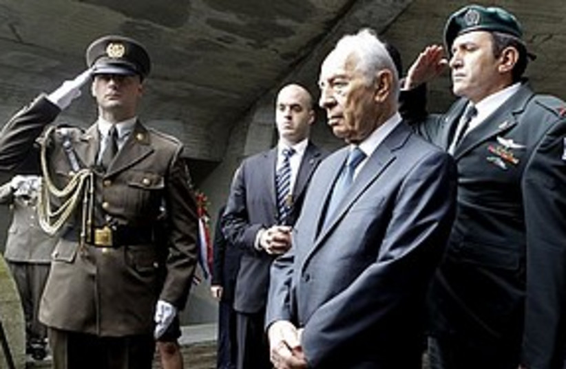 Peres croatia 311 AP (photo credit: Associated Press)