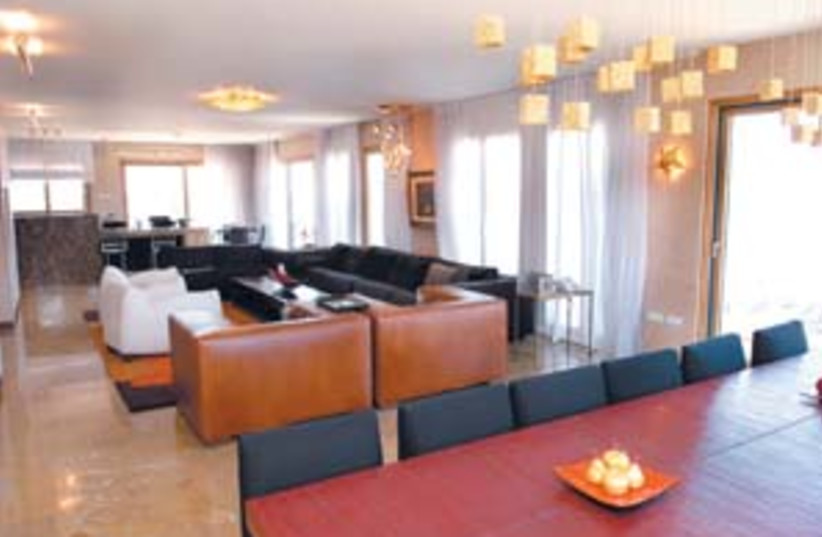 jaffa living room 88 298 (photo credit: Eyal Izhar)