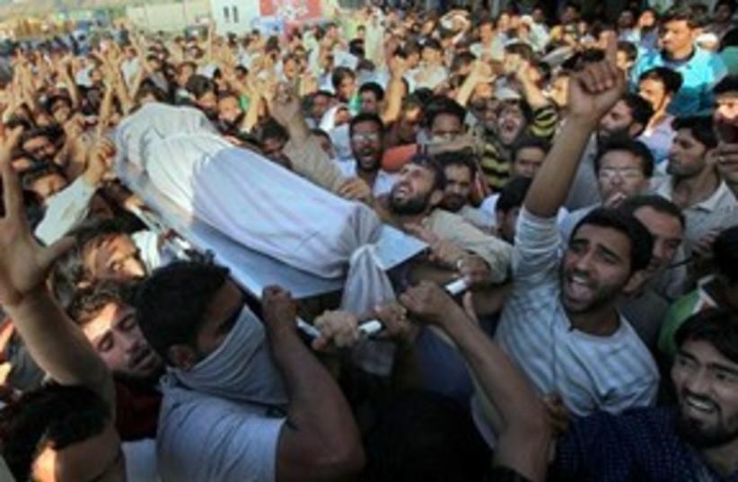 Kashmir violence 311 (photo credit: AP Photo/Dar Yasin)