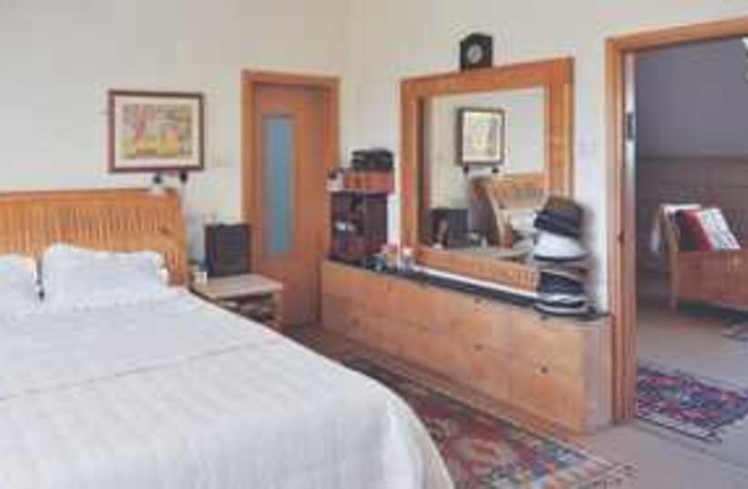 bedroom 311 (photo credit: Gloria Deutsch)
