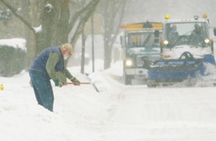east coast snow 311 (photo credit: Chris Walker/Chicago Tribune/MCT)