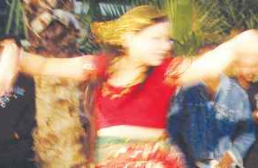 Nepali dance 311 (photo credit: Mya Guarnieri)