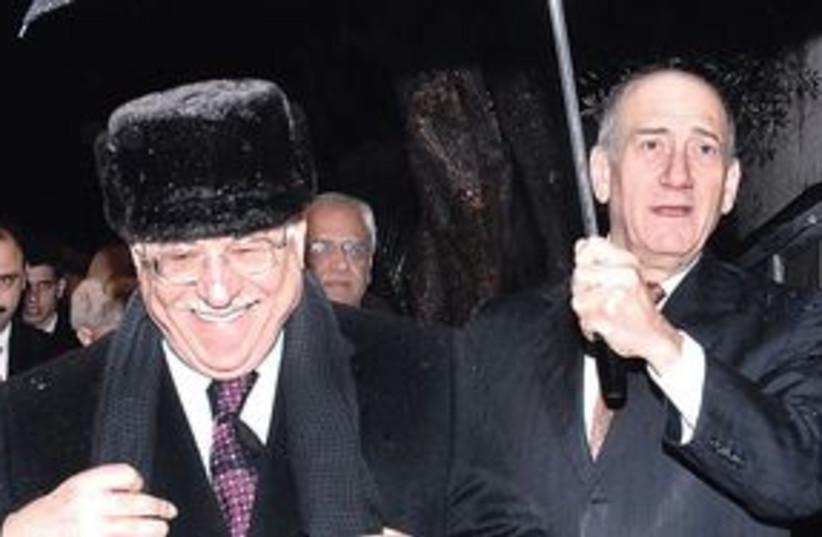 Abbas Olmert 311 (photo credit: Associated Press)
