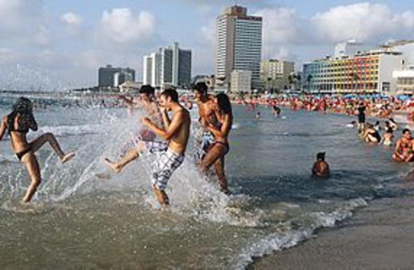 tel aviv beach 311 (photo credit: Marc Israel Sellem)