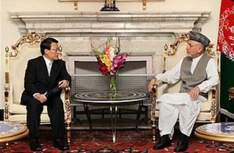 Karzai s. korea kidnap  (photo credit: AP)