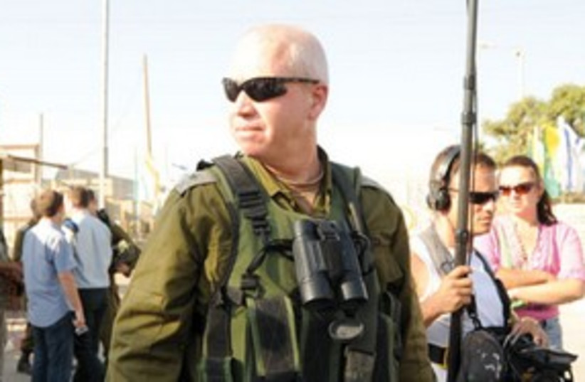 Yoav Galant armed 311 (photo credit: IDF Spokesperson)