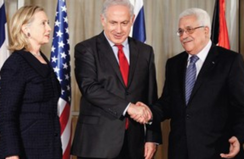 Netanyahu Abbas Shake 311 (photo credit: Associated Press)
