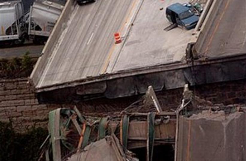 bridge collapse 298.88 (photo credit: AP)