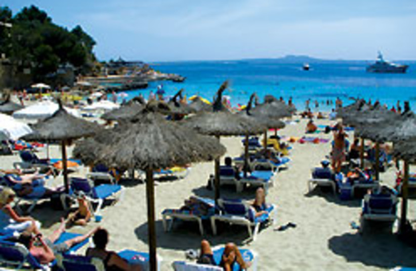 Illetes beach (photo credit:  Mike Benn)