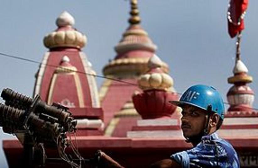 india temple riot 311 (photo credit: AP)
