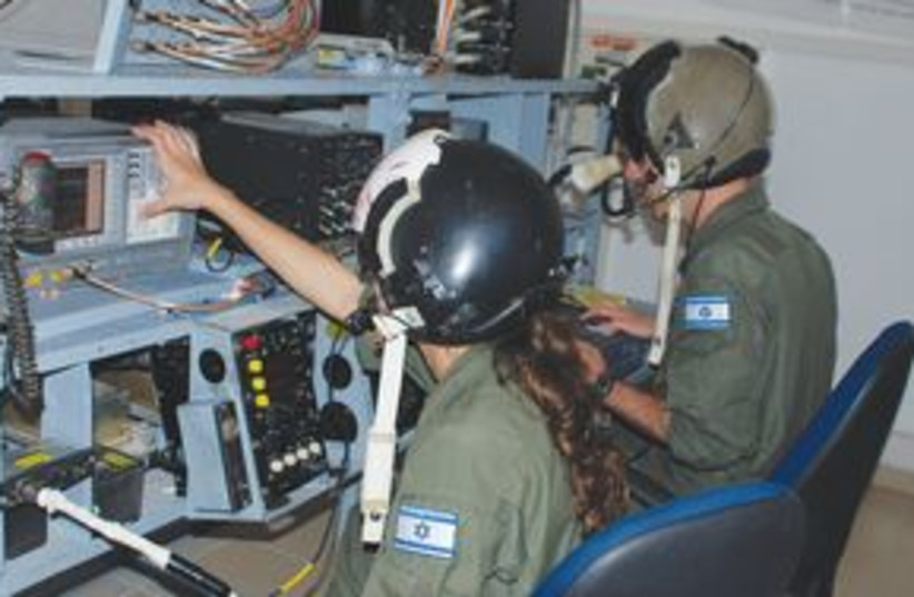311_Electronic warfare (photo credit: IDF Spokesmans Unit)