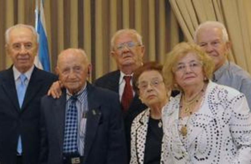 Peres with old people 311 (photo credit: Meytal Yeslovitz)