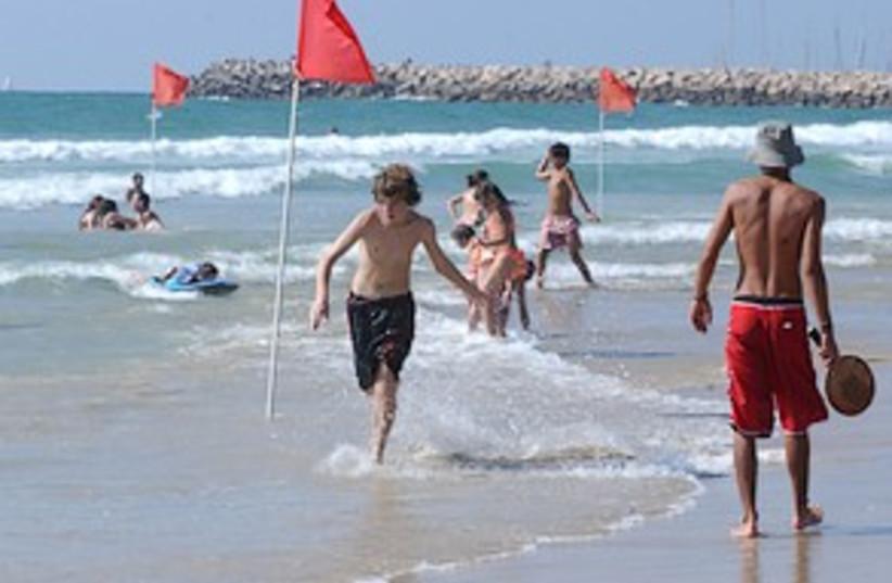 Herzliya beach 298.88 (photo credit: Ariel Jerozolimski)