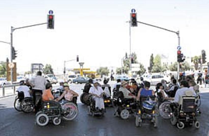 polio disabled demo 298. (photo credit: Ariel Jerozolimksi)