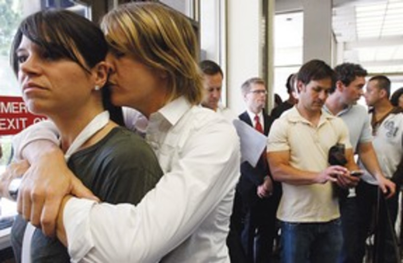 311_gay couples (photo credit: MCT)
