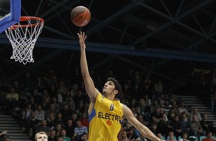 Lior Eliyahu Maccabi Tel Aviv 311 (photo credit: Courtesy)