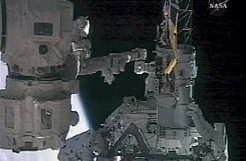 spacewalk 298.88 (photo credit: AP)