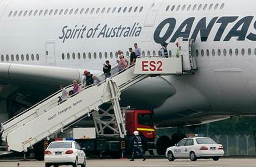 Qantas makes an emergency landing in Singapore
