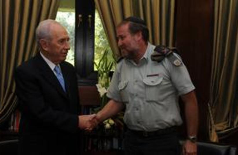 Peres Mandelblit 311 (photo credit: Mark Neiman)