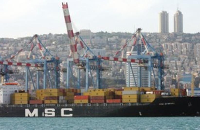 311_ship unloads in Haifa (photo credit: The Jerusalem Post)