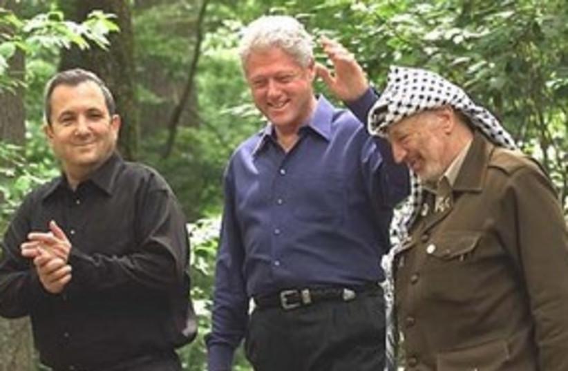 Barak, Clinton, Arafat at Camp David 311 AP (photo credit: AP)