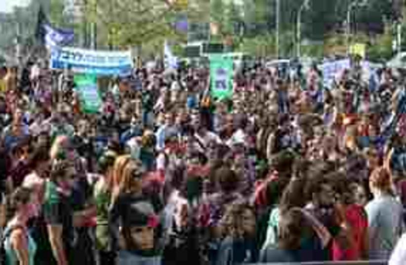 Tel Aviv student rally 311 (photo credit: Shaked Zychlinski)