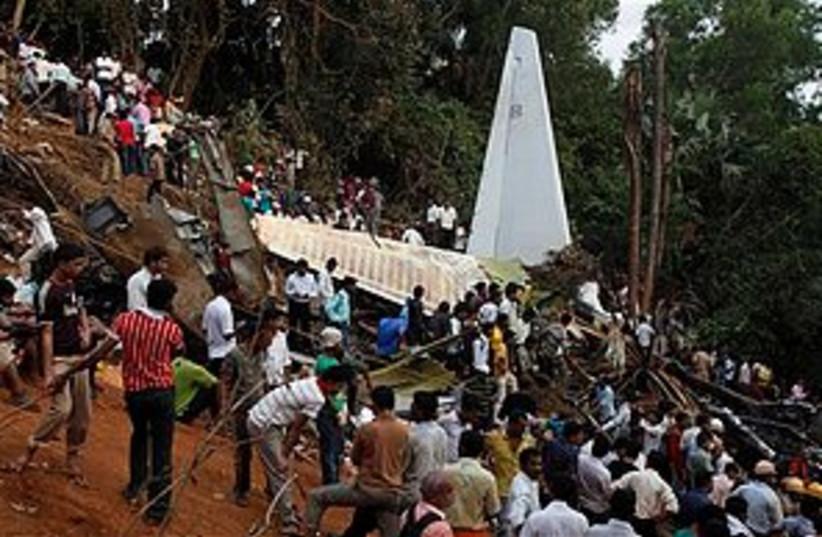 India plane crash_311 (photo credit: ASSOCIATED PRESS)