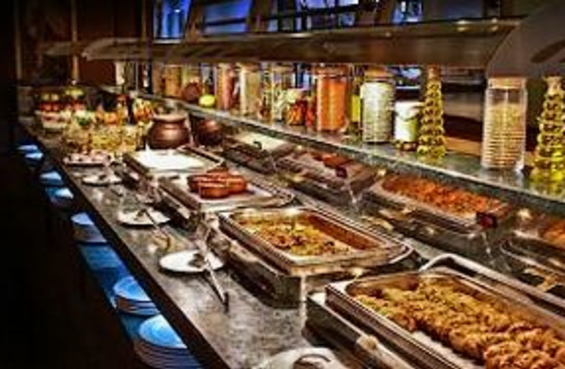 buffet 311 (photo credit: stock photo)