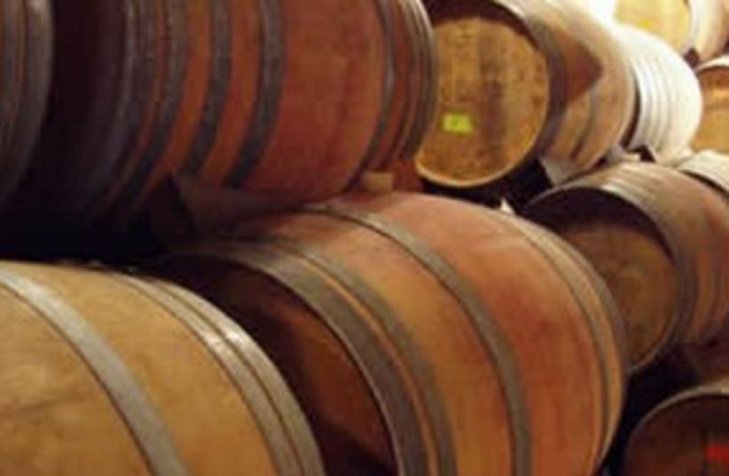wine barrels 311 (photo credit: leadel.net)