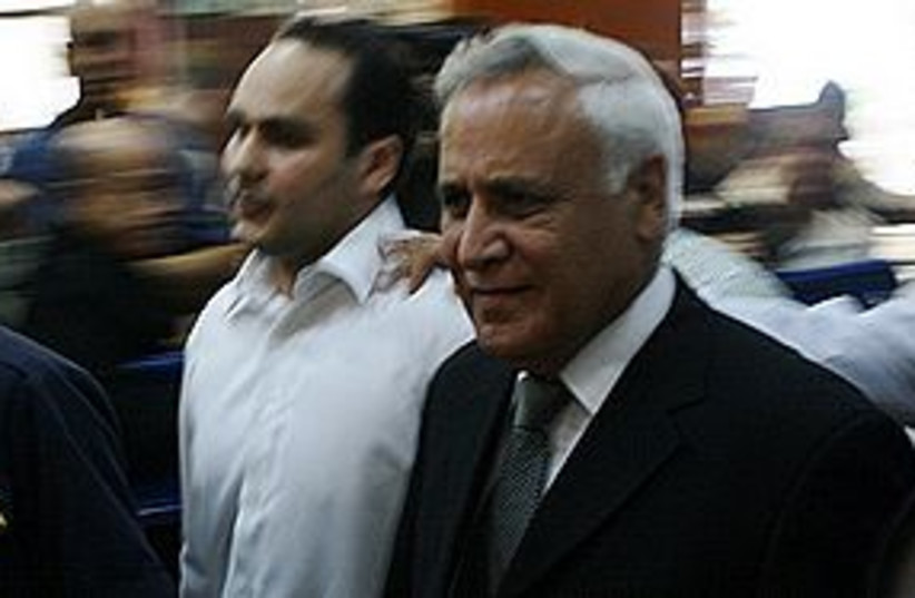 katsav enters court 311 (photo credit: Ben Hartman)