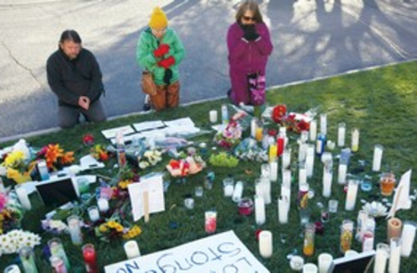 Arizona shooting memorial 311 AP (photo credit: AP)