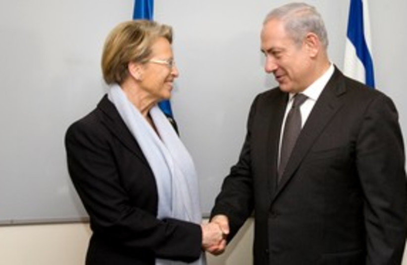 PM Netanyahu and French FM Alliot-Marie 311 (photo credit: French Embassy)