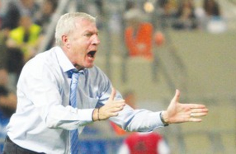 Israeli soccer NATIONAL TEAM coach Luis Fernandez 311 (photo credit: Adi Avishai)