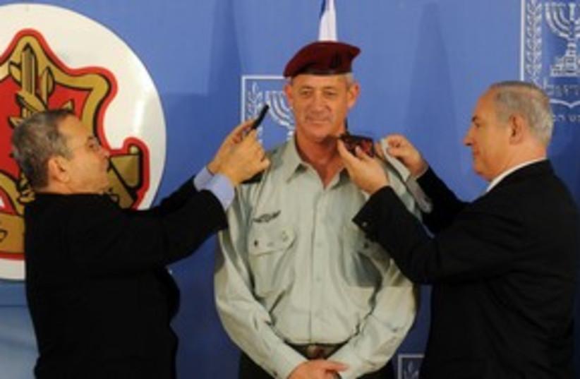 Gantz Barak Netanyahu 311 (photo credit: Avi Ochaion/GPO)