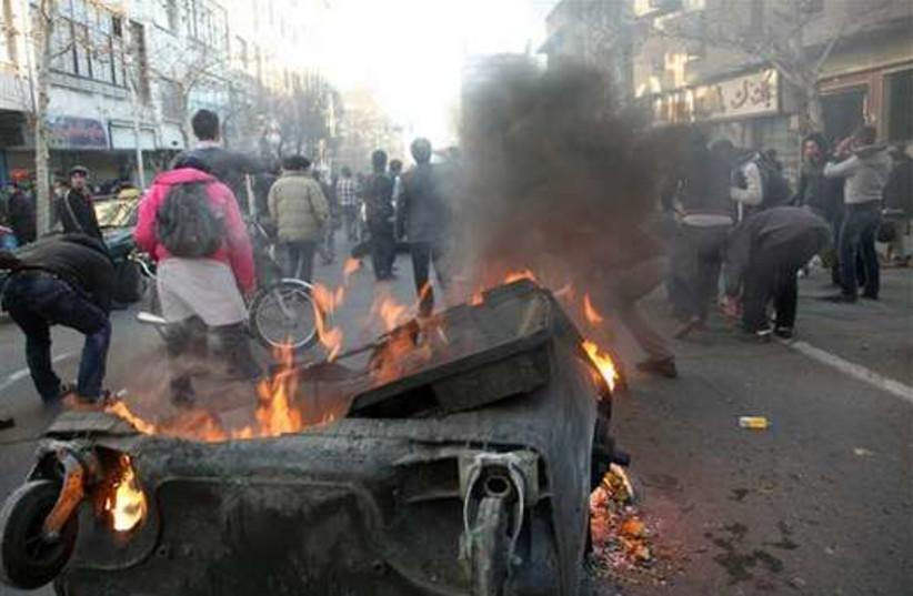 Iran protests 3 520 (photo credit: AP)