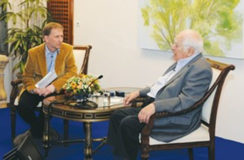 Bernard Lewis Horovitz 311 (photo credit: Matty Stern/US Embassy Tel Aviv)