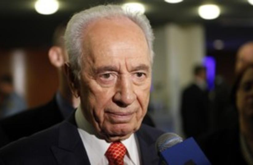 Peres 311 reuters (photo credit: Reuters)