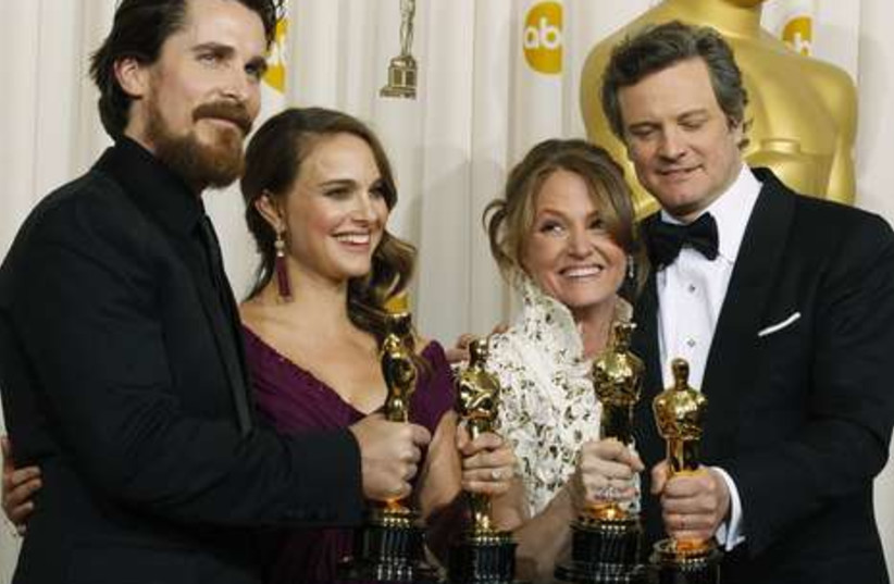 Oscar winners backstage with awards