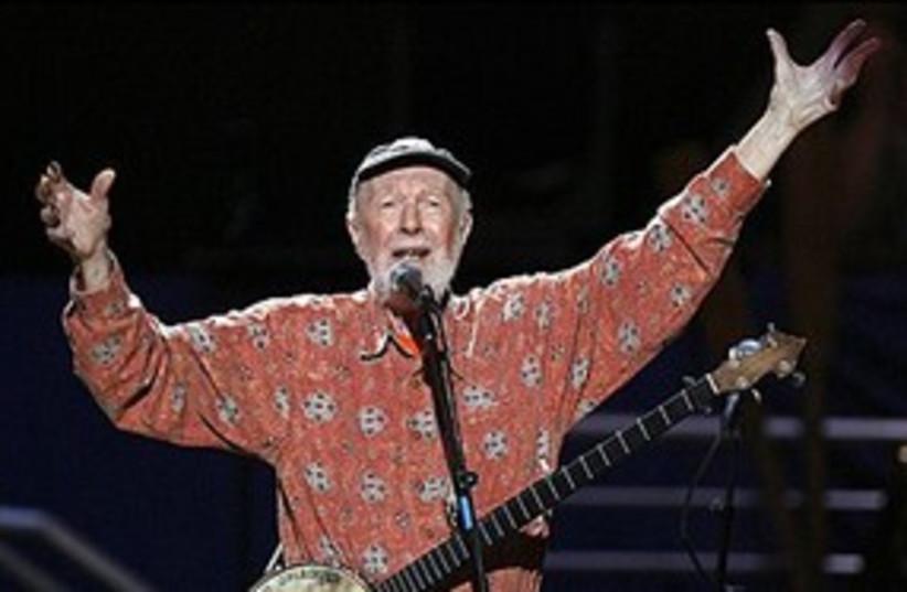 American folk singer Pete Seeger in 2009 311 Reu (photo credit: REUTERS/Lucas Jackson)