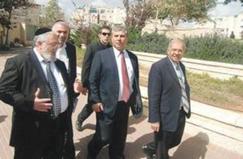 Elad mayor Yitzhak Idan and Minister Shalom Simhon 311 (photo credit: Religious Press Line)