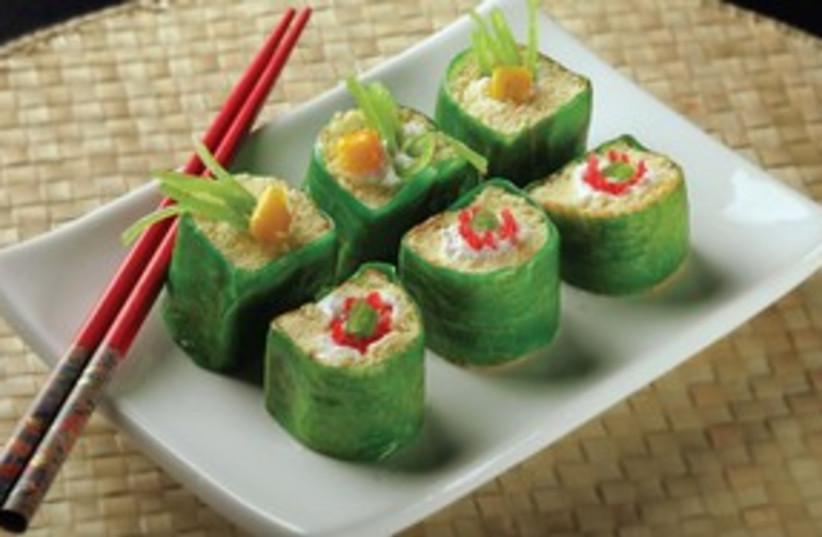 Green fruit sushi 311 (photo credit: MCT)
