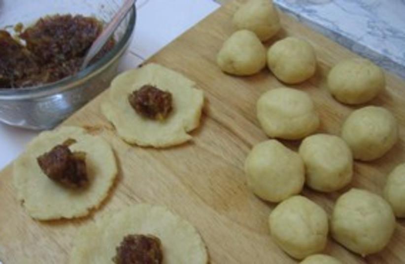Mamoul Date Cookies (photo credit: Chanita Harel)