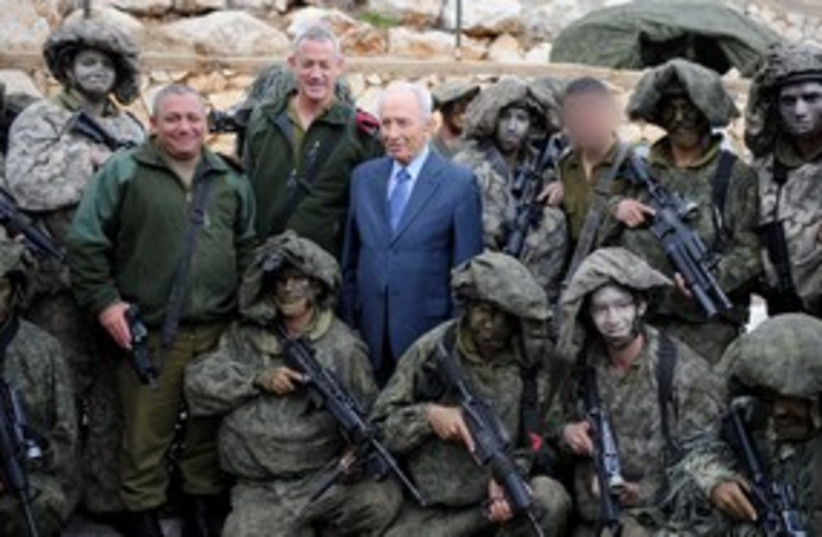 President Shimon Peres, soldiers in North 311 (photo credit: IDF Spokesperson)