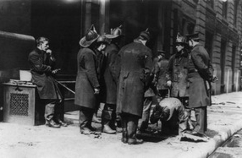 Triangle Shirtwaist Factory firefighters 58 (photo credit: Library of Congress)
