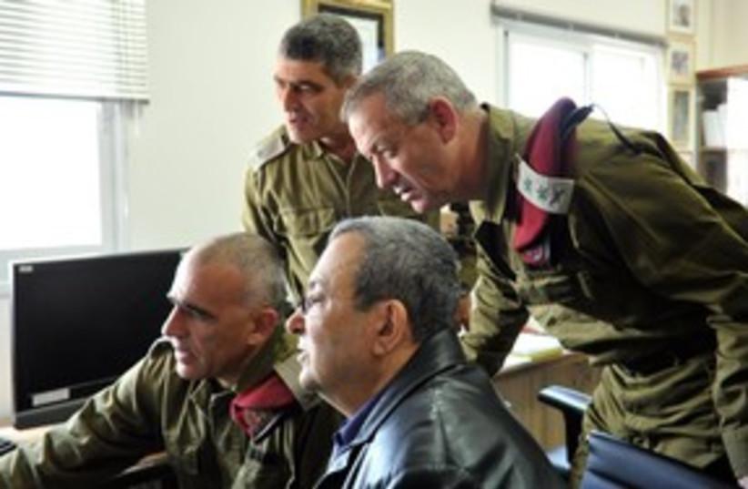 Defense Minister Ehud Barak and Bennie Gantz 311 (photo credit: Ariel Harmoni / Defense Ministry)