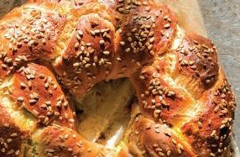 Challah, Hallah, bread 311 (photo credit: Ilan Nachum / Al Hashulchan Magazine)