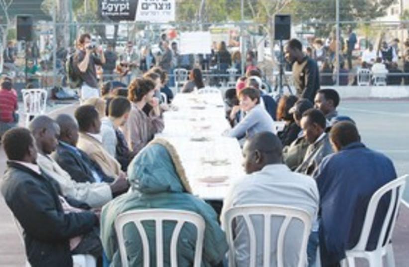African migrant Pessah seder 311 (photo credit: Ben Hartman)