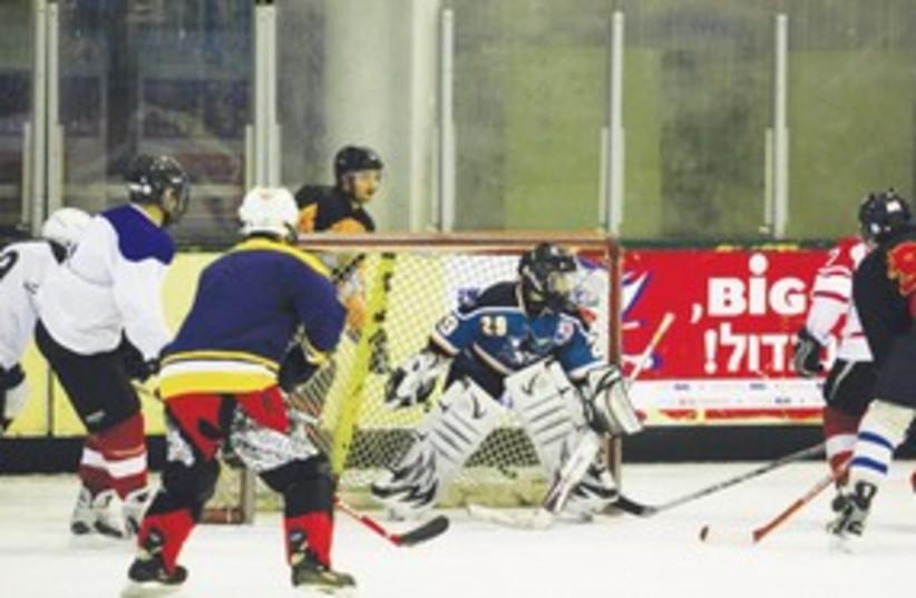 Hockey 311 (photo credit: Nim Gluckman)