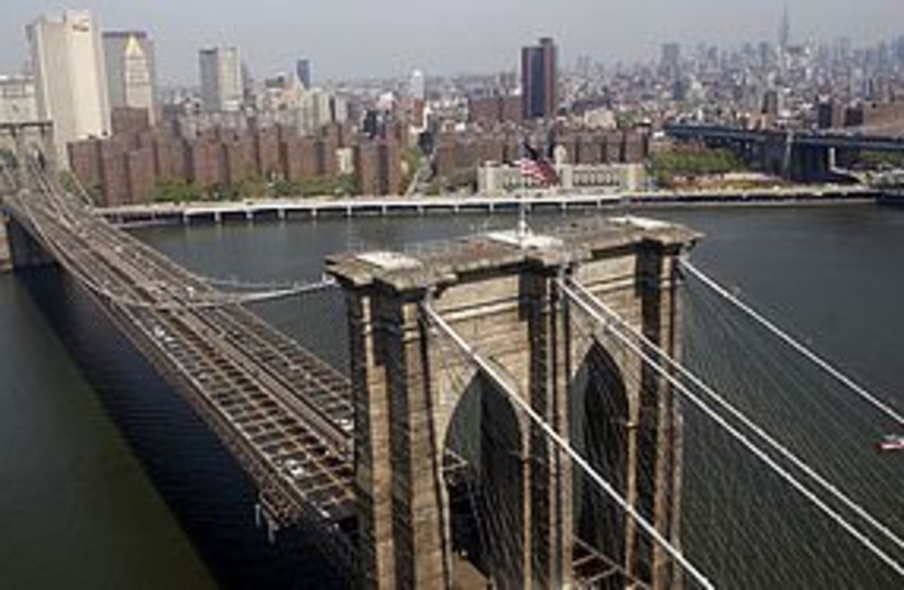 brooklyn bridge 311 (photo credit: REUTERS)