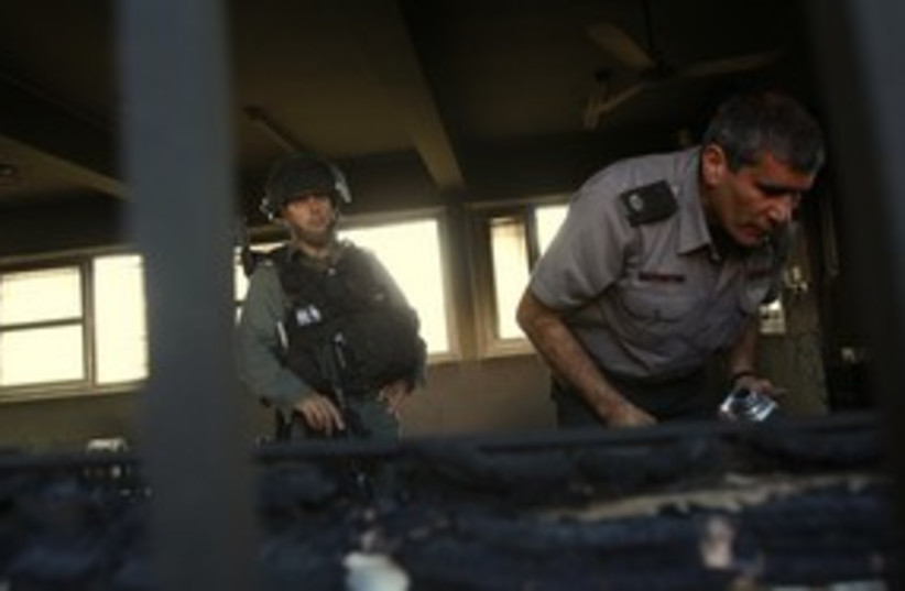 Border police Nablus mosque 311 R (photo credit: Reuters)